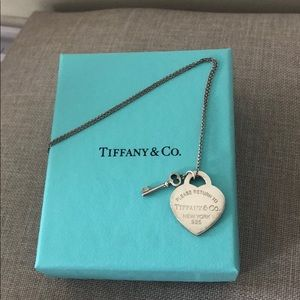 Tiffany and co necklace NW receipt